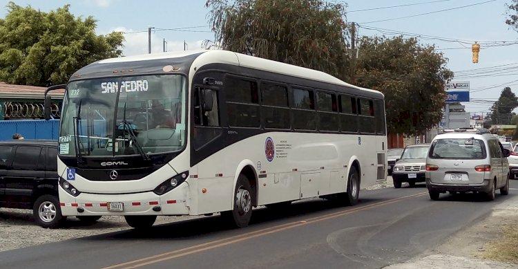 Carril exclusivo para autobuses, disminuye los tiempos de viaje.