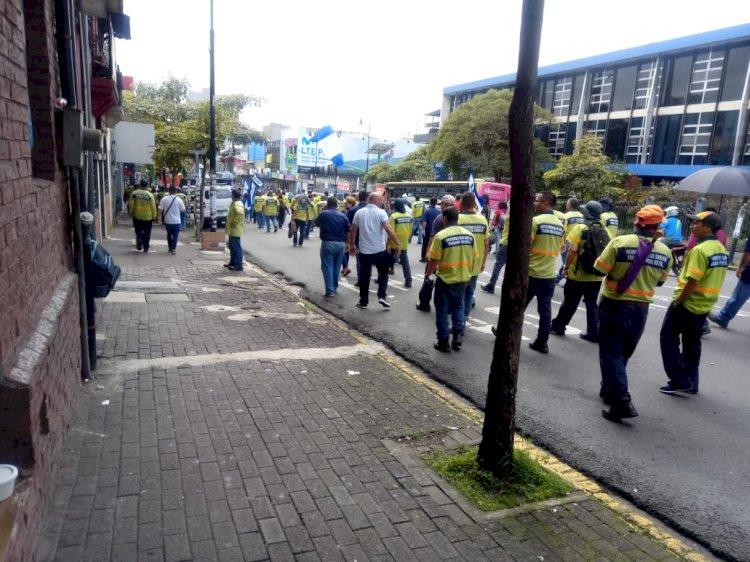 Manifestaciones por parte de empleados de la Municipalidad