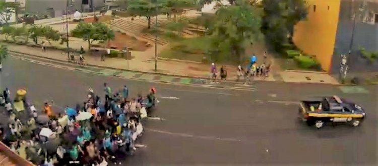 Avenida Segunda afectada por manifestantes.