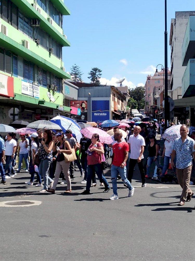 Manifestaciones afectando el tránsito sobre Avenida Segunda